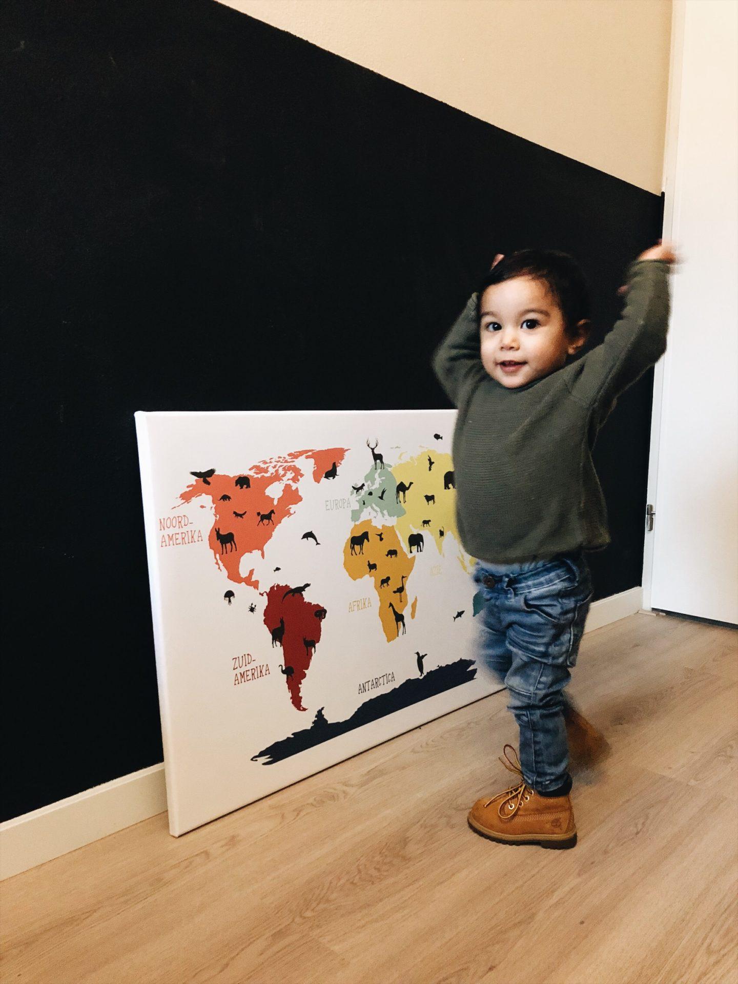 wereldkaart kinderkamer dieren